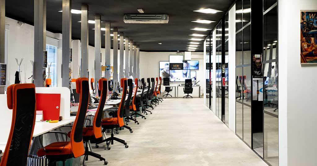 agenzia-yes-scrivania